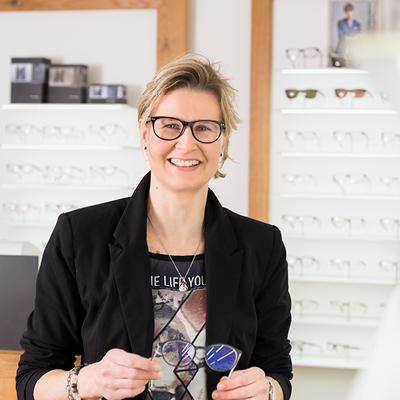 Regina Ertl Augenoptikerin bei Optik Lang Schönberg
