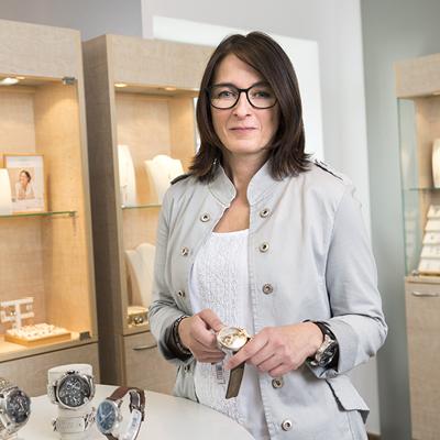 Tanja Lang Uhren- und Schmuckverkäuferin bei Optik Lang Schönberg